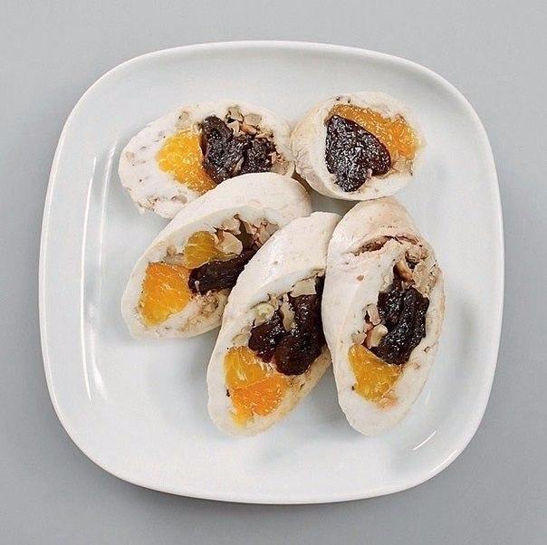 🔹паровой куриный рулет с мандаринами и черносливом🔹