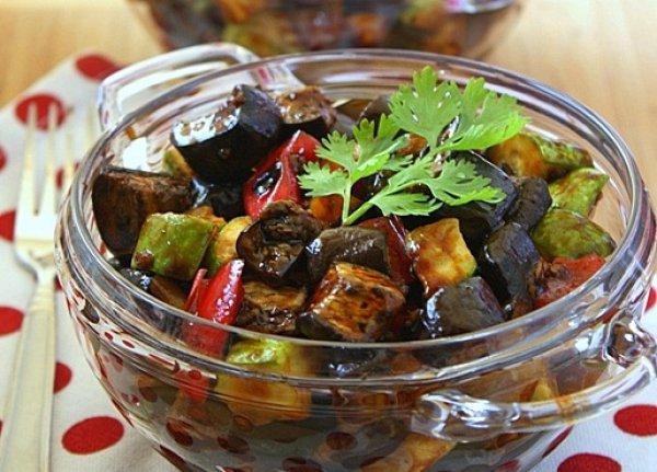 Полезные и вкусные салаты из баклажанов. 14357.jpeg