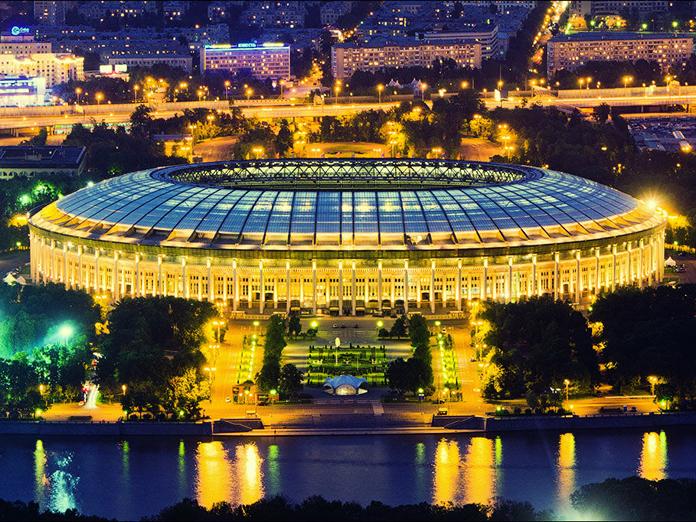 Дед Мороз доставил в Московский Кремль главную елку страны. 14451.jpeg