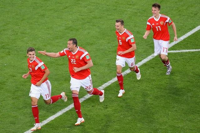 Сборная России одержала вторую победу кряду на чемпионате мира и вышла в следующий этап. 14765.jpeg