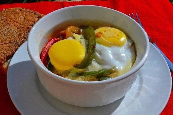 Яичница с овощами в духовке
