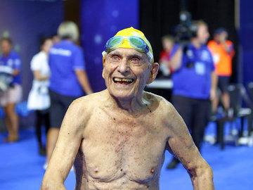 Австралиец в 99 лет установил мировой рекорд