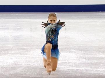 Видео для истории: 13-летняя россиянка исполнила два прыжка в четыре оборота