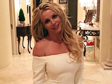Бритни Спирс показала на видео, что вытворяет с гантелями