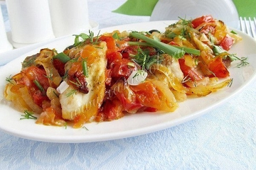 Запеченная рыбка с овощами: сбалансированный диетический ужин!