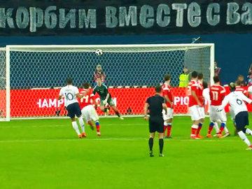 Футбол удручает: сборная России проиграла и французам