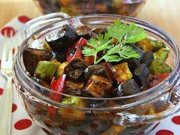 Полезные и вкусные салаты из баклажанов