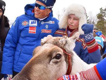 Живой дар: лыжнику Йоханнесу Клебо подарили оленя