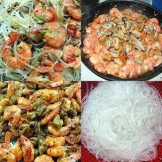 Диетический салат из морепродуктов с рисовой лапшой