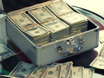 ВАДА полюбило взятки: кто взял чемодан долларов