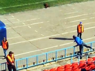 В тренера команды из Владивостока кинули живого петуха
