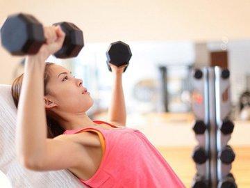Спортивные мифы о старении груди