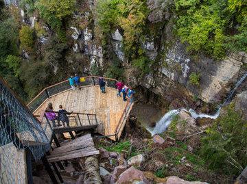 Курорт в окрестностях Сочи предлагает разнообразные пешие маршруты в горах